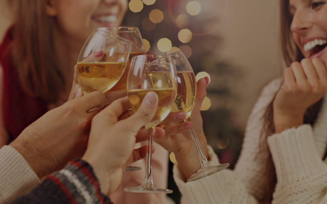 6 White Wines That Will Make Her Smile
