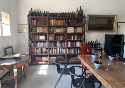 18 Wine tasting room